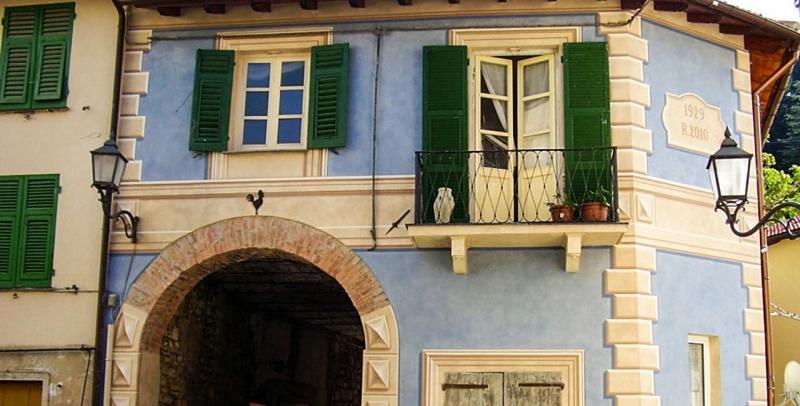 Casa della Bella di Torriglia, Genova - Raffaella Stracca Corfield Design Concept - decorazioni e restauri